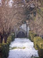 La Màgia innevata - fotografia del vialetto d'antico accesso (334.36 KB)